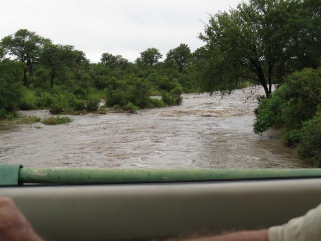Crocodile Bridge Dam - powerfully going downstream.