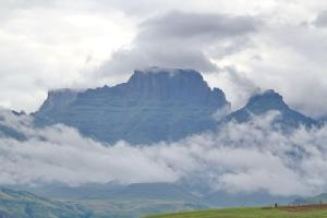 Cathkin Peak surrounded by cloud